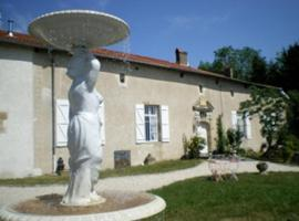 Gite Le Château de Mouzay, Autrecourt-sur-Aire