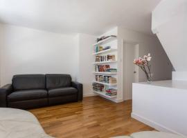 2 Bedroom Split Level Flat In The Heart Of Camden