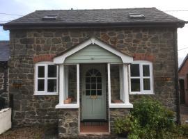 Maesnewydd Cottage