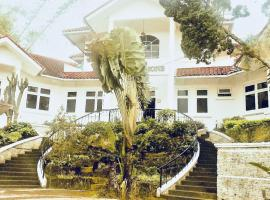 Premium House, Sindanglaya (рядом с городом Cipanas)