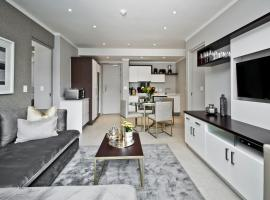 SANDTON APARTMENT 15 WEST ROAD SOUTH