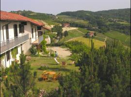 Cà dra Topia (the Grape Pergola House) near Alba. Charming house - Italy, Trezzo Tinella (Neviglie yakınında)