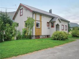 Four-Bedroom Holiday Home in Eidsvag