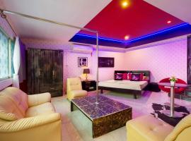 Goddess Apartments & Gentlemens Bar