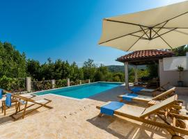 Villa Doli - Lovely holiday home with private pool, Доли