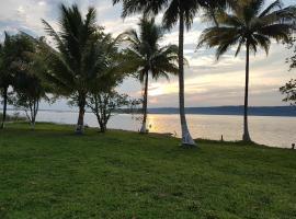 Casa de Playa Tayazal, cerca de Tikal