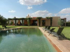 Villa Maradise