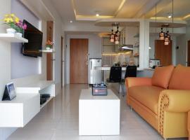 Modern 2BR Apartment at Puncak Bukit Golf with City View By Travelio, Сурабая (рядом с городом Pradahkalikendal)