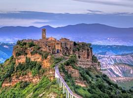 Civita di Bagnoregio Villa Sleeps 8 WiFi