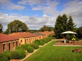 Country Club Villas