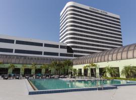 西棕櫚灘中心希爾頓合博套房酒店