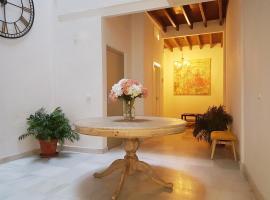 Reservaloen Casa Sevillana