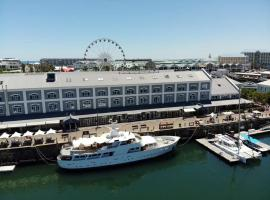 Jackie O - Classic Luxury Yacht & Boutique Hotel