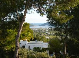 Playa d'en Bossa Villa Sleeps 8 Pool Air Con WiFi