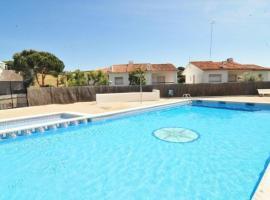 Arenys de Mar Villa Sleeps 8 Pool