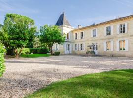 Lagorce Chateau Sleeps 20 Pool WiFi