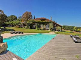 Saint-Antonin-Noble-Val Villa Sleeps 14 Pool