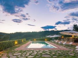 Massa Villa Sleeps 10 Pool WiFi