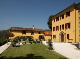 Massa Villa Sleeps 12 Pool Air Con WiFi