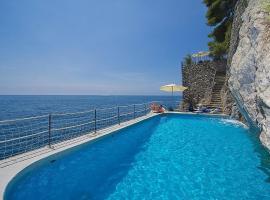 Amalfi Villa Sleeps 6 Pool Air Con WiFi