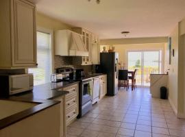Oceanview Cottage Close to Beaches and Amenities