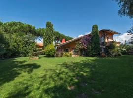 Lido di Camaiore Villa Sleeps 10 Pool Air Con