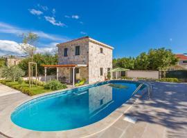 Hedera Estate, Villa Hedera XIII