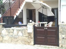 E13 Venus Beach Village
