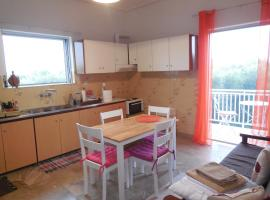 Spacious 1st floor apartment within a Detached house