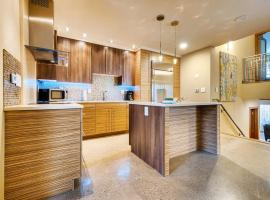 Modern, fully remodeled retreat, walking distance to slopes #1005