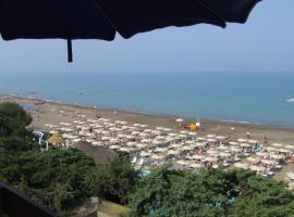 Marina di Castagneto Carducci Apartment Sleeps 2