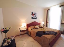 Argegno Apartment Sleeps 4 Pool T421326