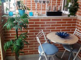 AMAZING SUNNY FLAT WITH BALCONY, POOL,2 MINS FROM THE BEACH
