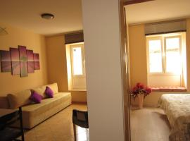 Tasteful one bedroom apartment near Trogir center