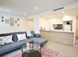 Waterside Luxury New Apartment