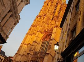 Tempel Triplex at Historic Heart of Antwerp