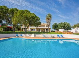 Casas da Ribeira Villa Sleeps 12 Pool
