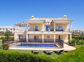 Sagres Villa Sleeps 8 Pool Air Con WiFi T676518