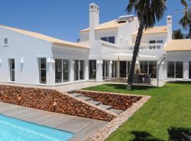 Sagres Villa Sleeps 6 Pool Air Con WiFi T676520