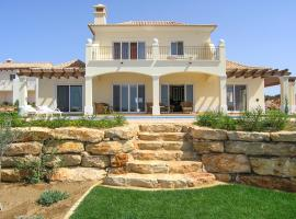 Sagres Villa Sleeps 6 Pool Air Con WiFi