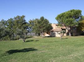 Les Roussens Villa Sleeps 8 Pool WiFi