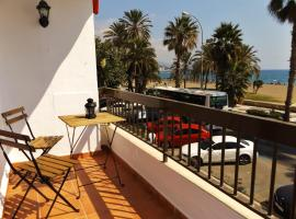 Perfect for couples! Beachfront and seaview