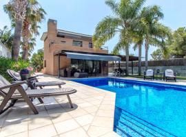 Vilanova i la Geltru Villa Sleeps 11 Pool Air Con