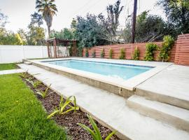 Renovated LA Home w/Pool-BBQ & Private Guest House
