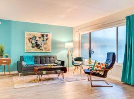 West Hollywood Apartment Sleeps 3 Air Con WiFi