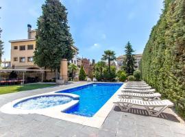 Hoteles baratos cerca de LAstor, Cataluña - Dónde dormir en ...