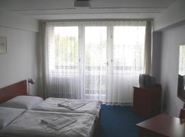 CMC Residence & Conference Inn, Čelákovice (nära Káraný)