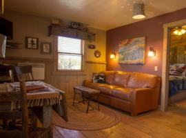 Bunkhouse by Cottonwood Meadow Lodge