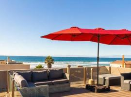Fantastic Mission Beach condo steps to the Beach