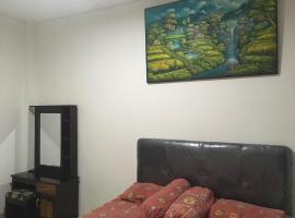 Paku Dui Room